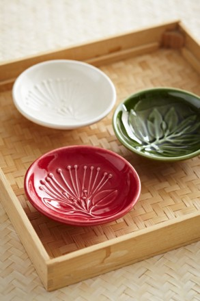 Native  Leaf and Flower  Dip  Bowls  10cm  3 in a box